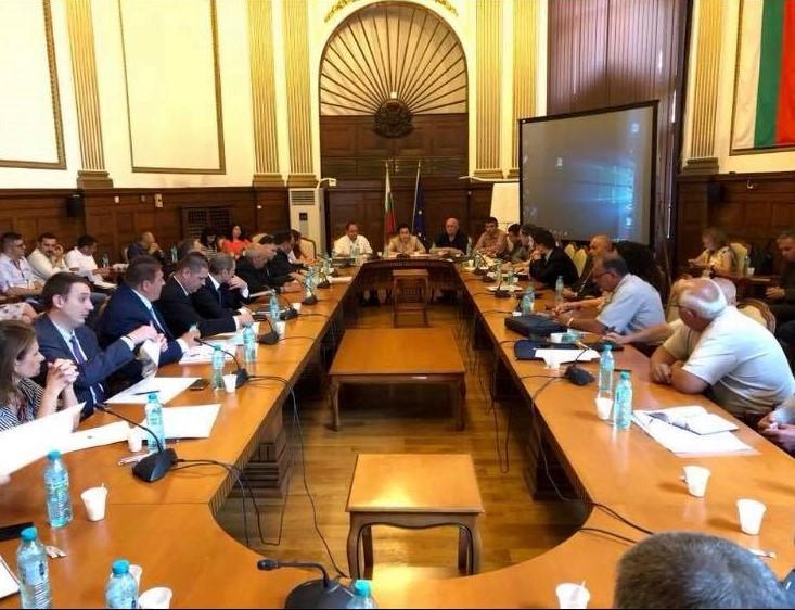 Зам.-областните управители на Добрич участваха в работна среща, във връзка с болестта Африканска чума по свинете, в МЗХ