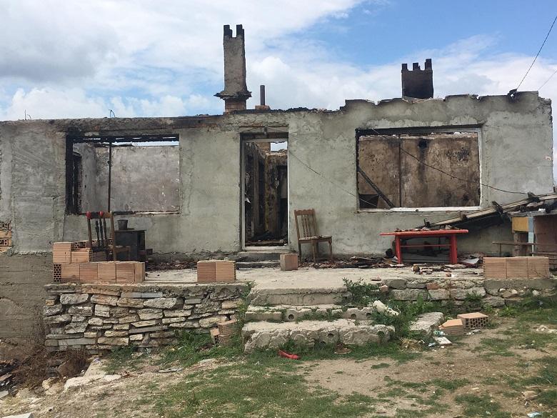 Семейство от село Оброчище остана без дом, след като пожар изпепели къщата им