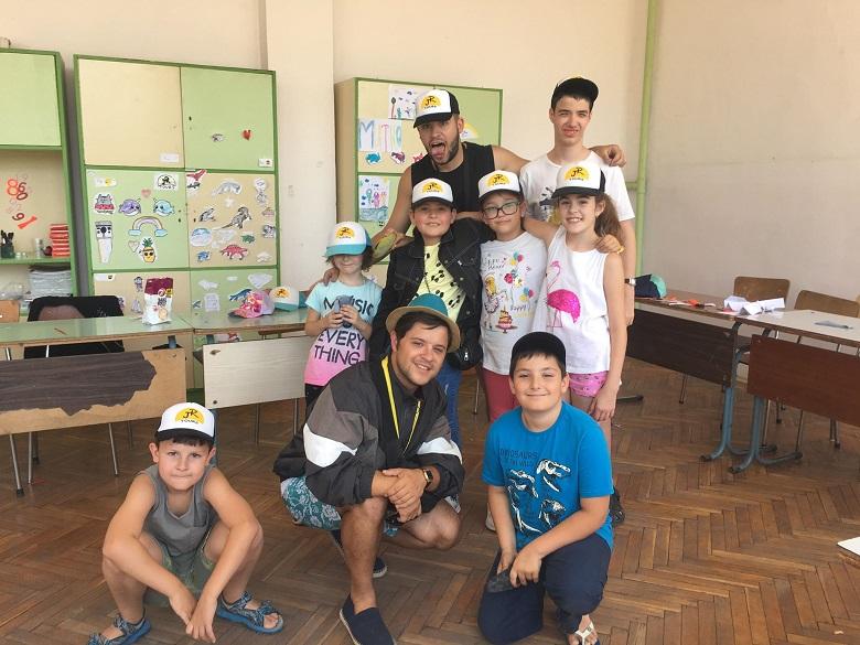 Слави Михов: Реших да се отдам на децата, те са нашето бъдеще