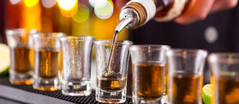Разреденият алкохол е най-честото нарушение при предлагането на спиртни напитки в заведенията по морето