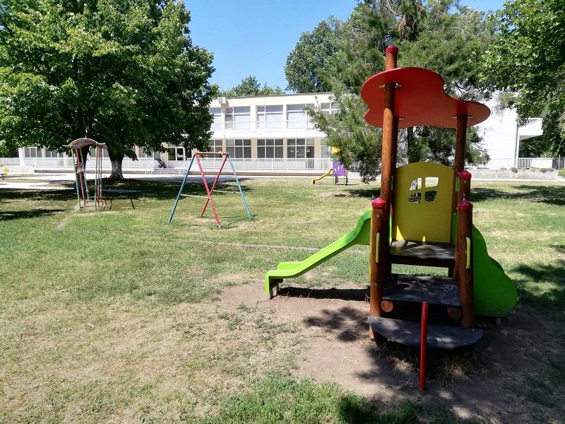 С нови съоръжения за игра са детските ясли в Добрич
