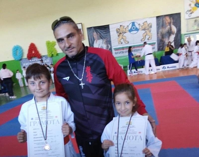 "Два бронзови медала завоюваха каратеки от СКК ""Нуките"""