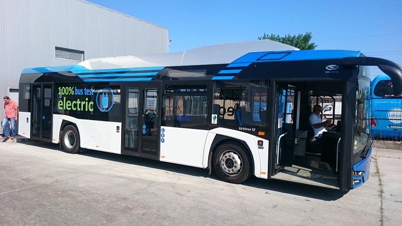"""Тестват електрическия автобус """"Solaris"""" по градската линия 111 в Добрич"""