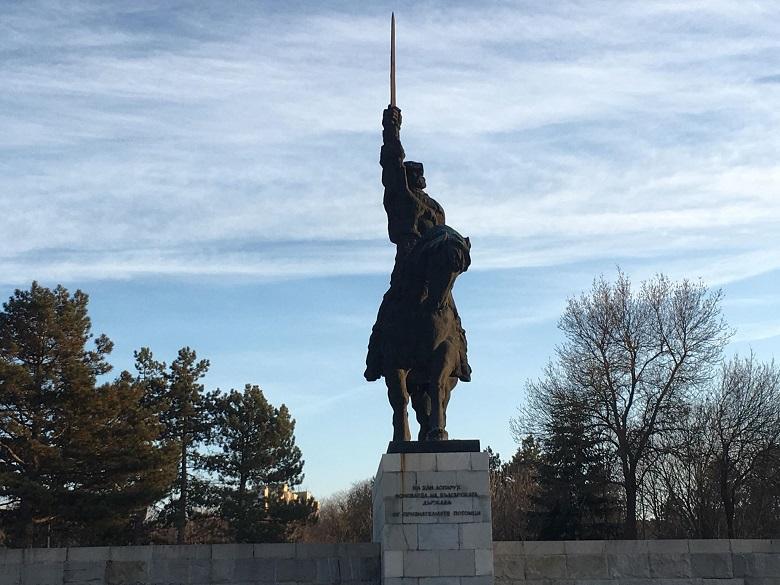 38 години от откриването на най-големия паметник на хан Аспарух в България