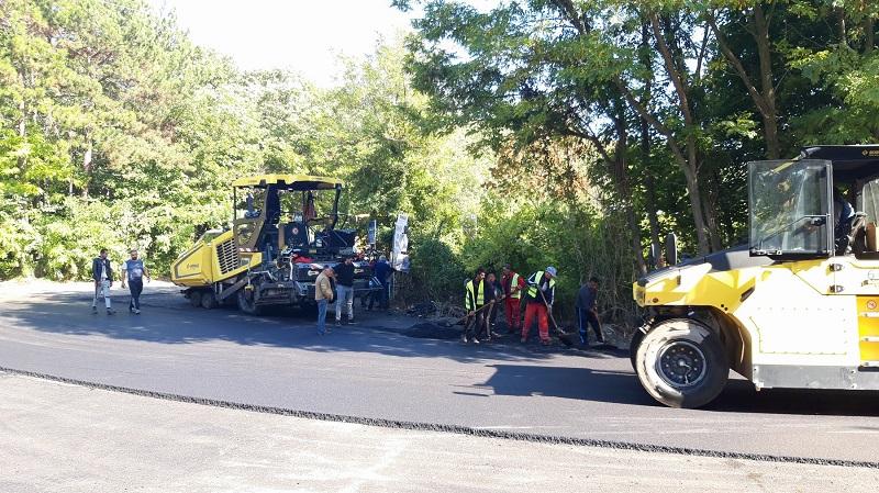 Приключва ремонтът на пътя за Тузлата в Балчик