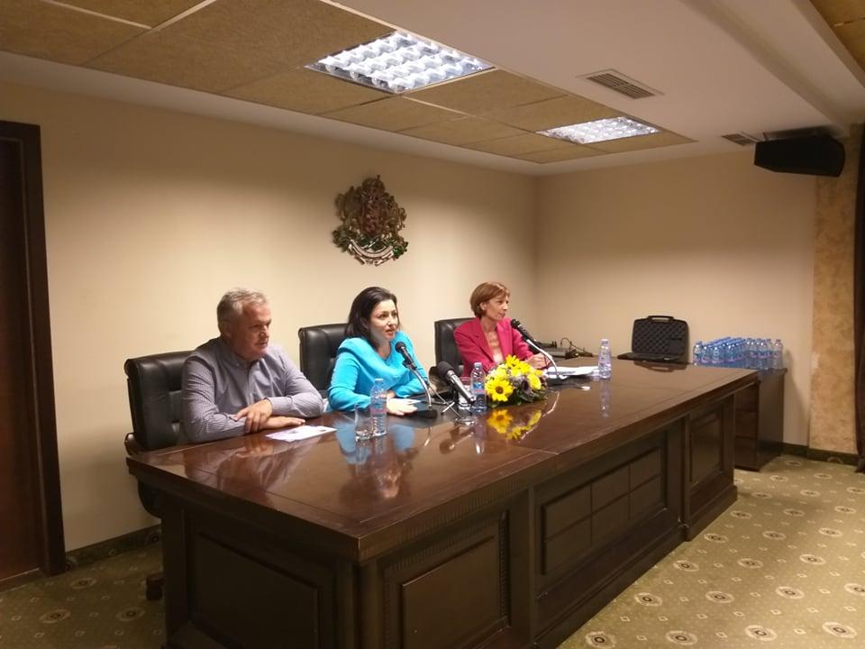 Местни избори 2019: Общата стопанска политика на ЕС беше обсъдена на среща с министъра на земеделието Десислава Танева в Добрич