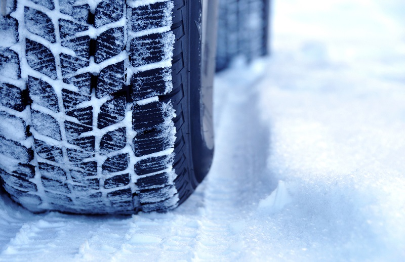 От утре глобяват шофьорите без гуми, предназначени за зимни условия