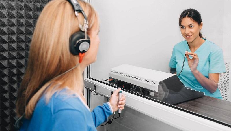 Безплатни тестове на слуха в Добрич организират депутатите от ГЕРБ