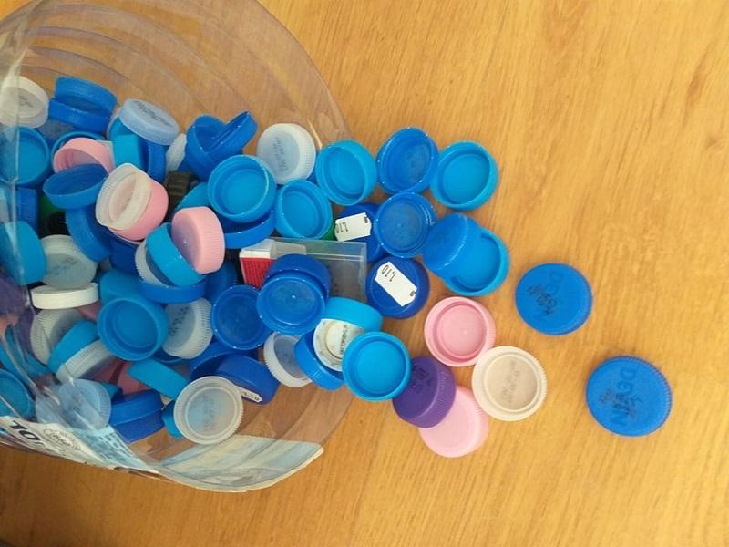 Генерал Тошево дари близо половин тон пластмасови капачки за закупуване на медицинско оборудване в МБАЛ-Добрич