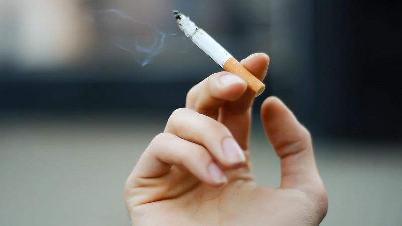 Четирима глобени за тютюнопушене на забранени места