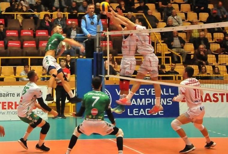 В залата на шампиона гостуват волейболистите