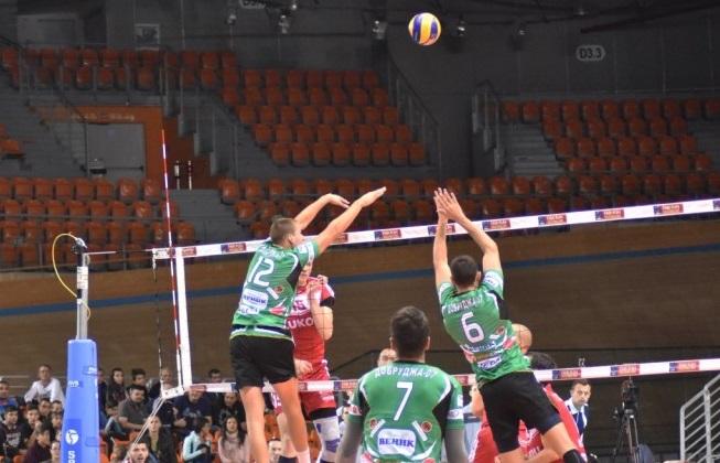 """Два гейма удържаха волейболистите срещу """"Нефтохимик"""""""