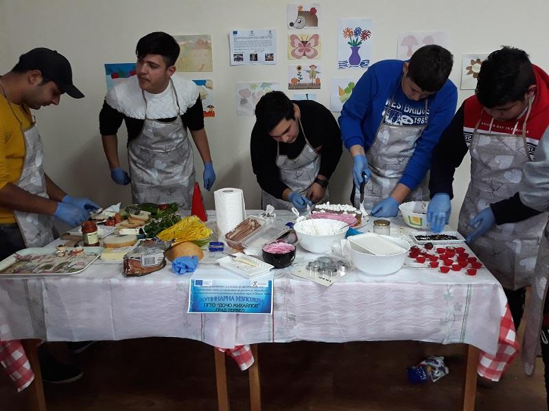 Ученици от община Тервел направиха вкусни изделия в кулинарна изложба