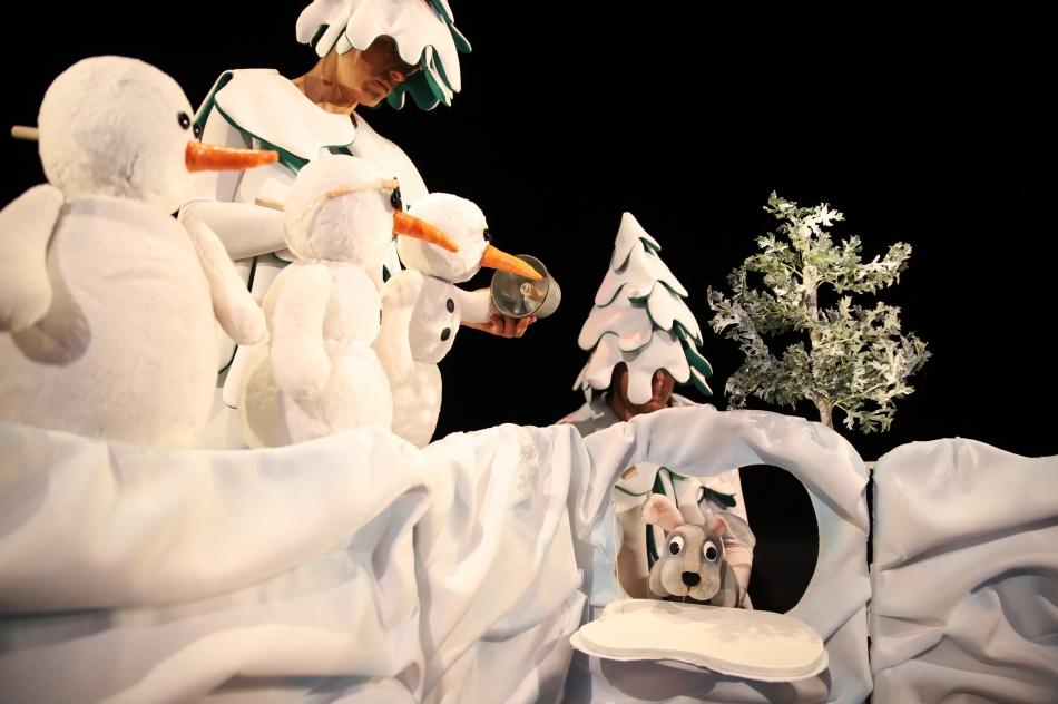 Депутати от ГЕРБ канят децата на Добрич на куклен спектакъл