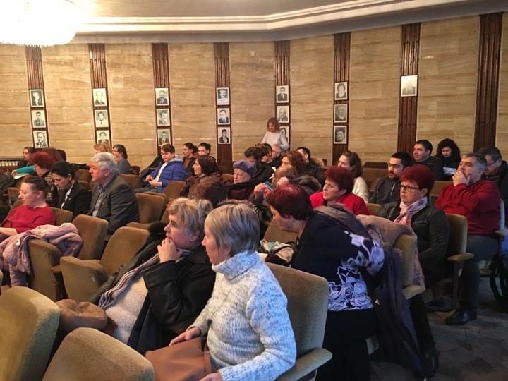 Граждани и общински съветници обсъдиха бюджета за 2020 на Добрич