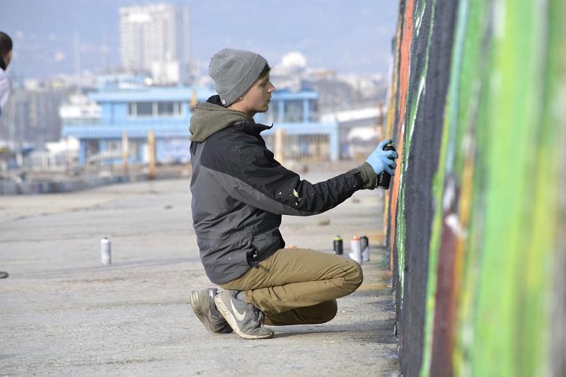 Добричлия е създател на единственото безплатно училище за графити