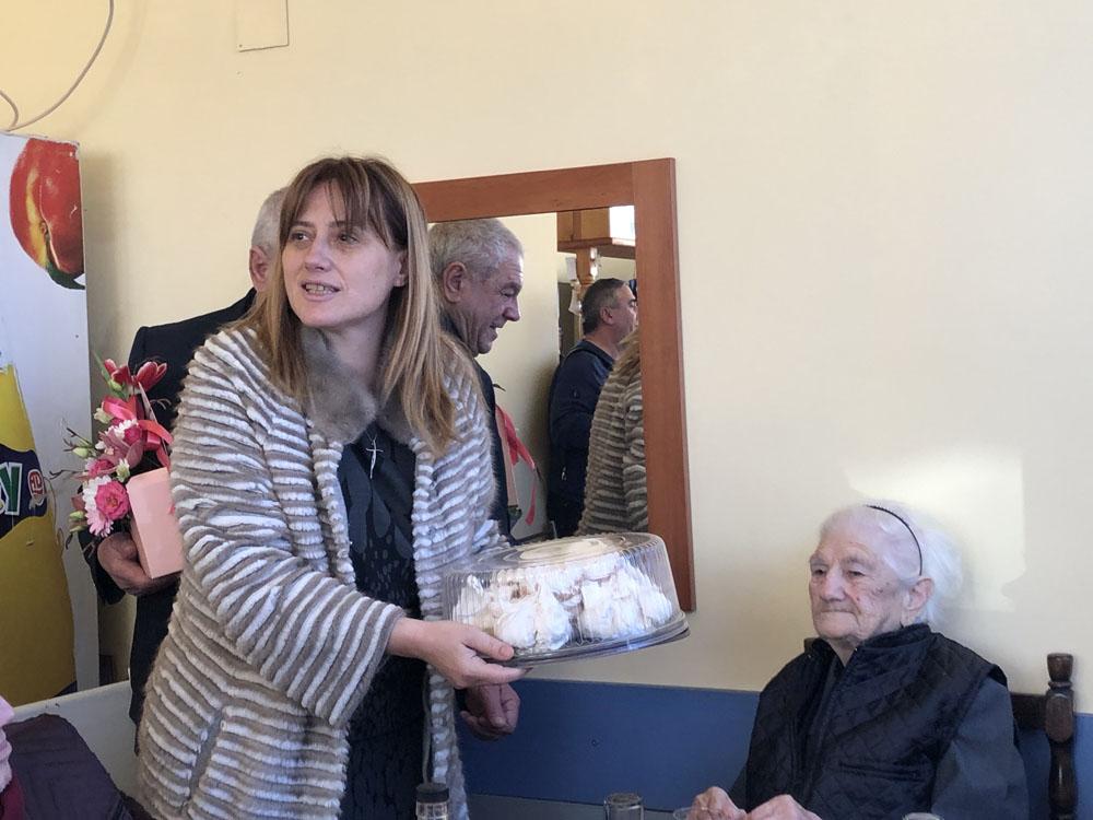 ГЕРБ-Добрич поздрави Йорданка Ангелова за 100-годишния й юбилей