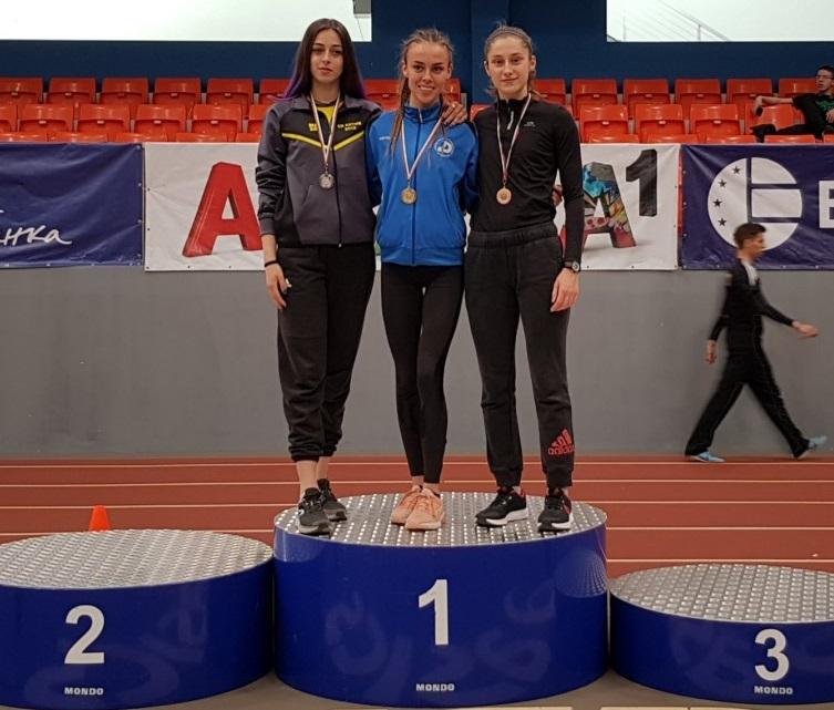 Мира Николова достигна до бронз на 800 метра при девойките