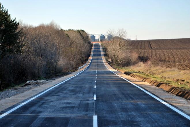Рехабилитираха пътната отсечка между генералтошевските села Василево и Балканци