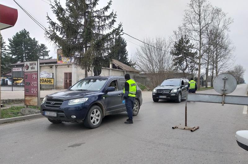 През всички градски КПП-та в Добрич се пропускат автомобили само по неотложни причини