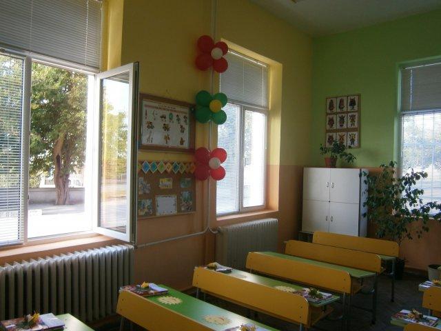 """Директорът на НУ """"Братя Миладинови"""" в Каварна: Ако се затвори училището, повечето от децата ще отпаднат от образователната система"""