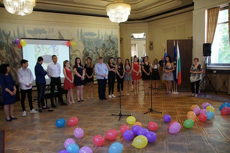 Изпращанията на абитуриентите в област Добрич ще са през юни, само на две училища ще бъдат този месец