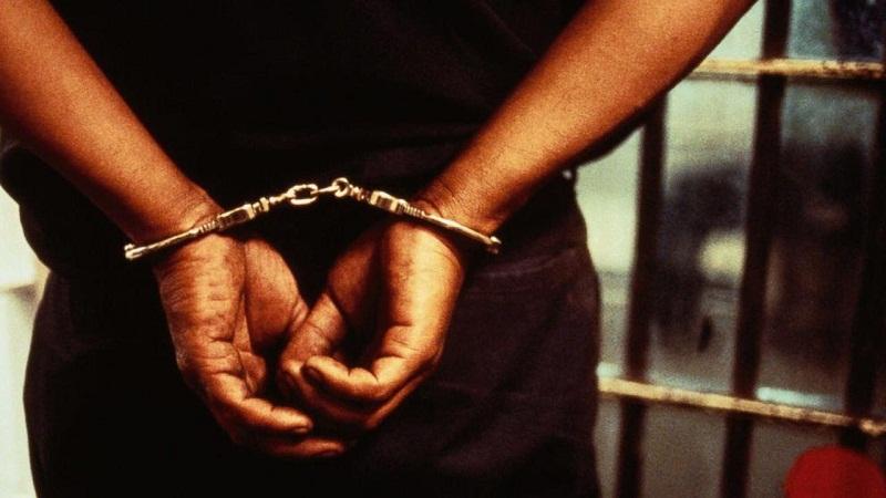 Обвиняем за ползване на данни от чужда банкова карта остава в ареста