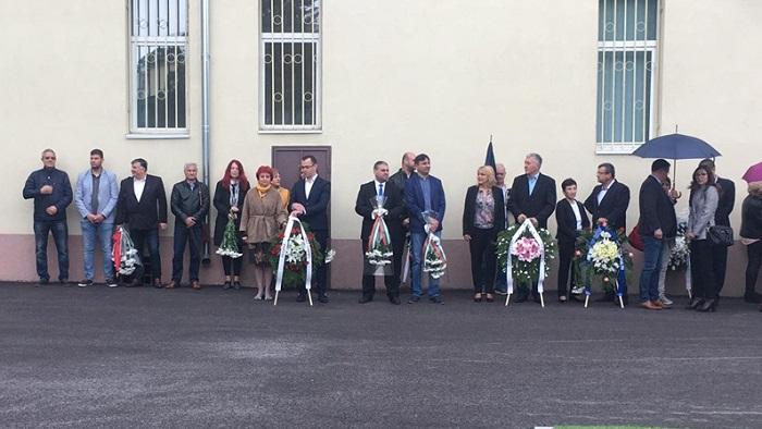 Добрич почете паметта на Ботев и загиналите за България с поднасяне на венци и цветя