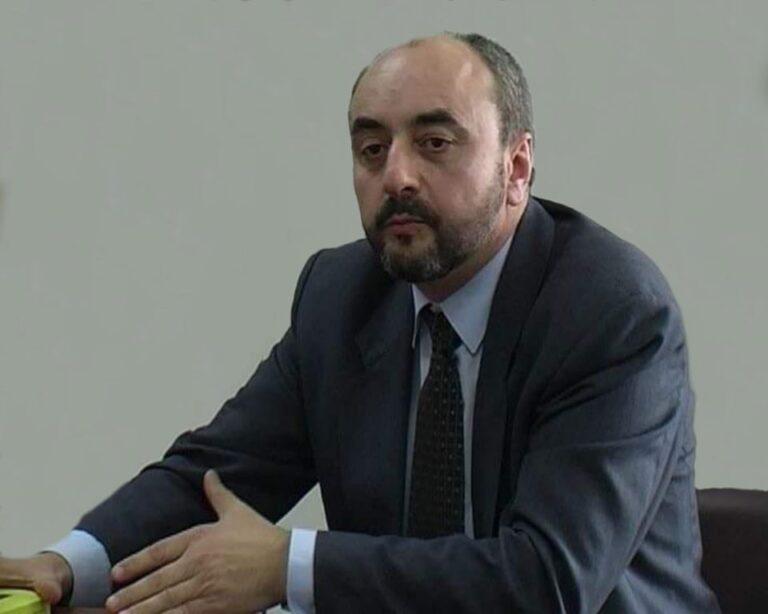 Иво Стамболийски: Нинова трябва да се оттегли от лидерската битка, заради неадекватните си действия и отлива на доверие в БСП