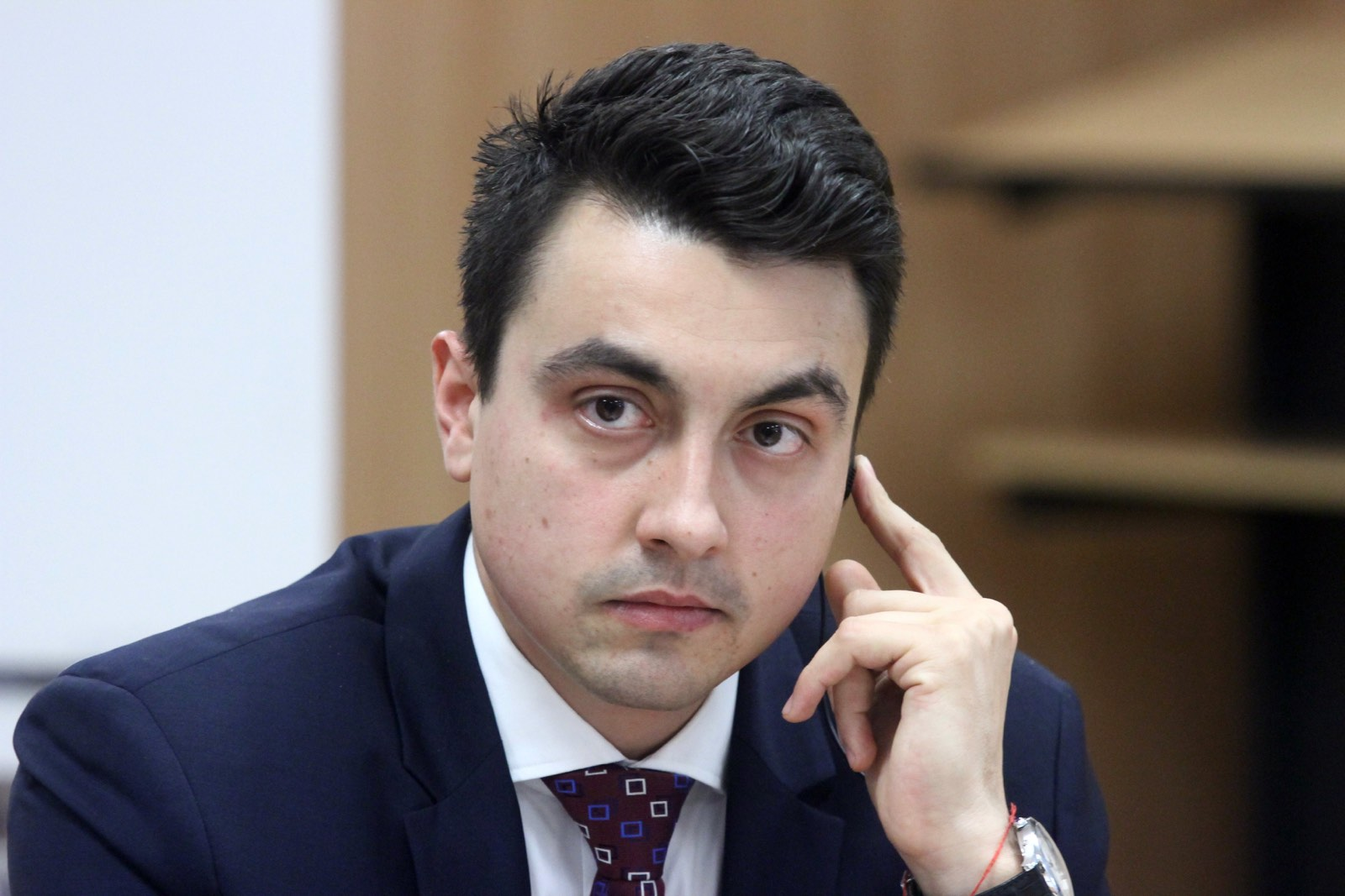 Момчил Неков: Следващият председател на БСП трябва да води сплотяваща политика