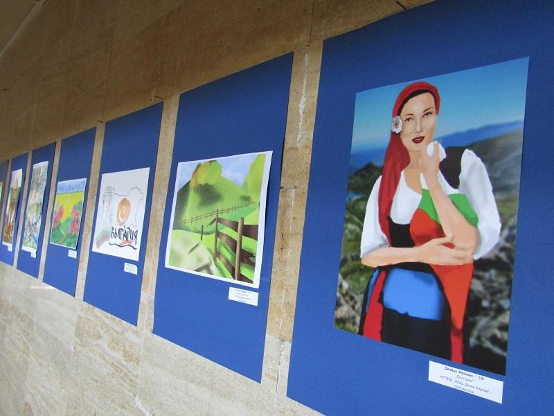 """Изложбата """"Моята България"""" на Младежкия център гостува в Областна администрация"""
