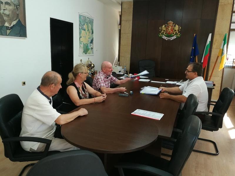 Подписани бяха три договора за изпълнение на проекти на община Тервел от стратегията на МИГ Тервел-Крушари