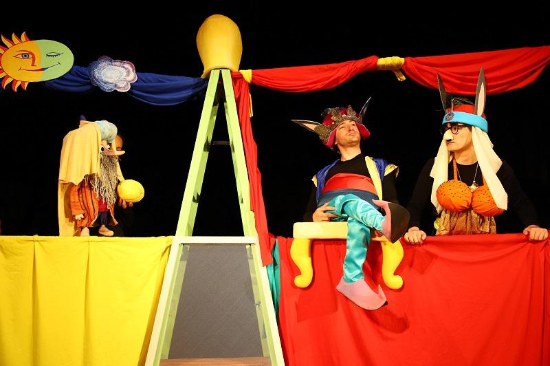 Кукленият театър с три предложения за децата през почивните дни
