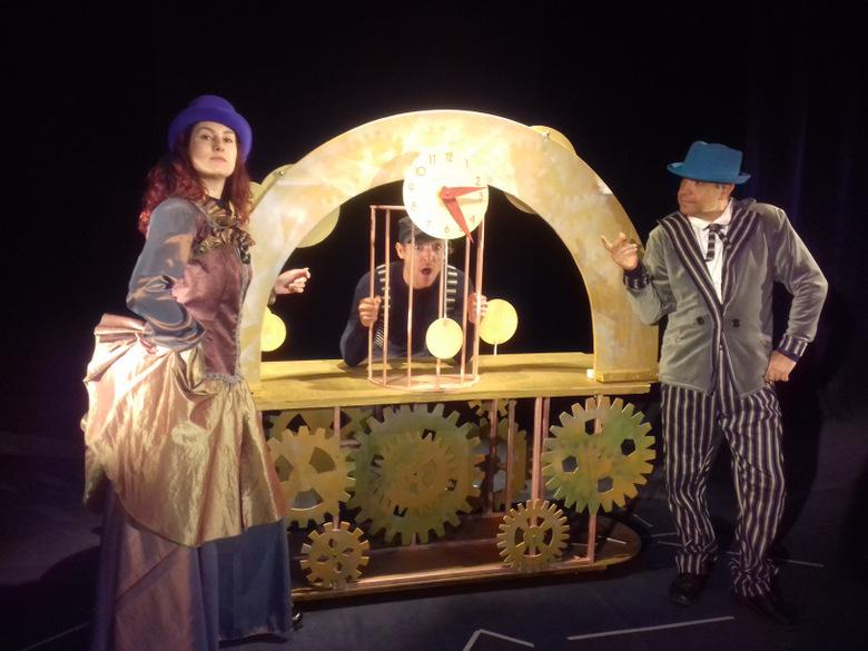 Кукленият театър в Добрич отново с представление сред природата