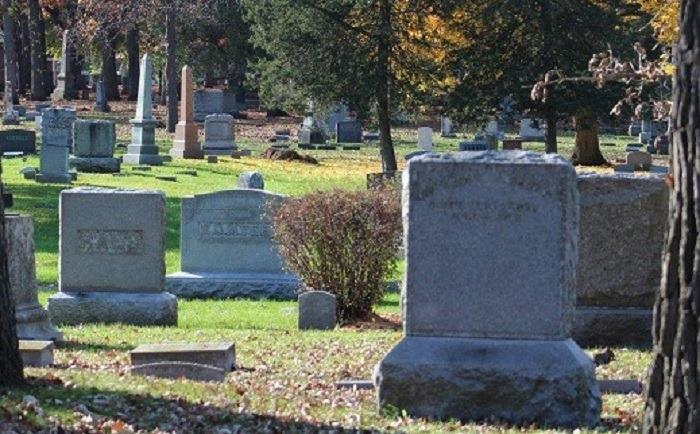 Oбщина Генерал Тошево с апел близките на починалите да поддържат паметните плочи и гробните места