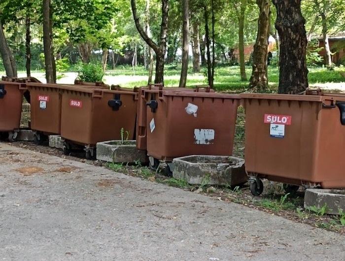"""Община Генерал Тошево констатира редица нарушения при използването на кафявите контейнери тип """"Бобър"""""""