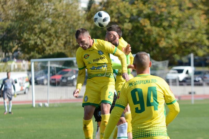 Стартът в професионалния футбол се отложи за 7 август