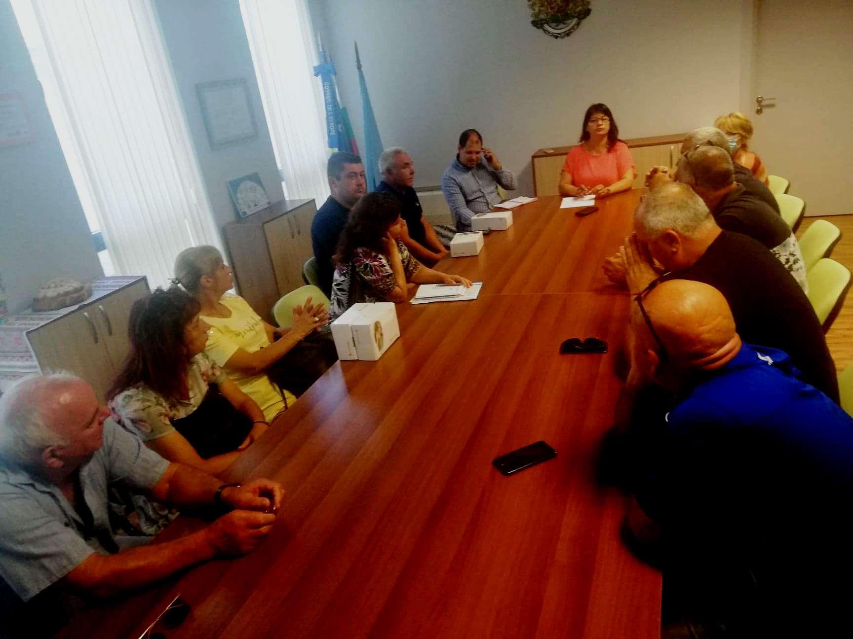 Проблемите в селата в община Каварна бяха обсъдени на работна среща между Елена Балтаджиева и кметове и кметски наместници