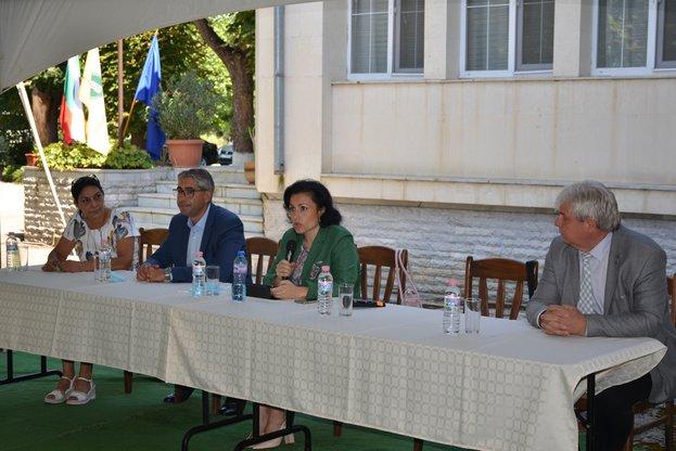 Министър Танева: До края на календарната 2020 г. по сметките на фермерите ще постъпят 1.7 млрд. лв.