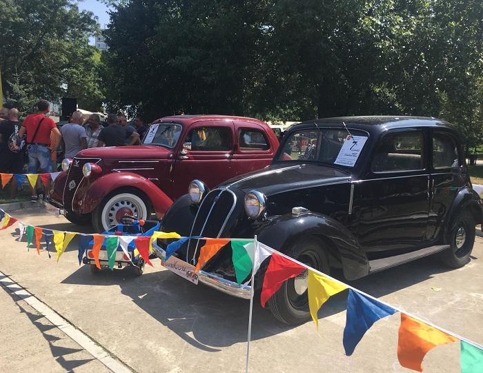 Ретро парад за старинни и класически автомобили и мотоциклети ще се проведе днес в Добрич