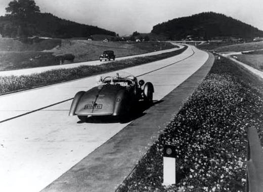 Преди 99 години е открита първата магистрала