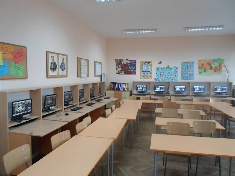 Три учебни заведения в Добрич формират паралелки с по-малък брой ученици от минималния норматив