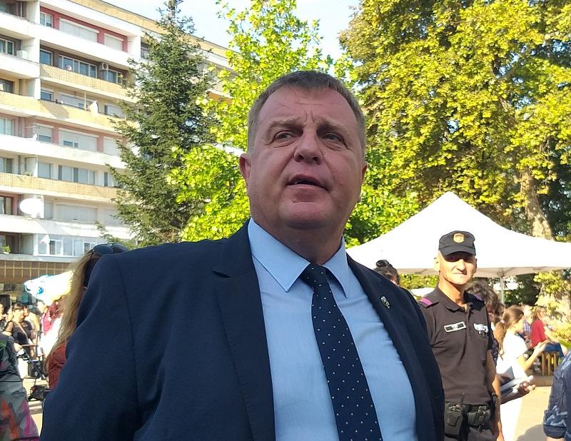 Красимир Каракачанов в Добрич: Желанието на президента за безусловна капитулация и служебно правителство няма как да се случи в момента