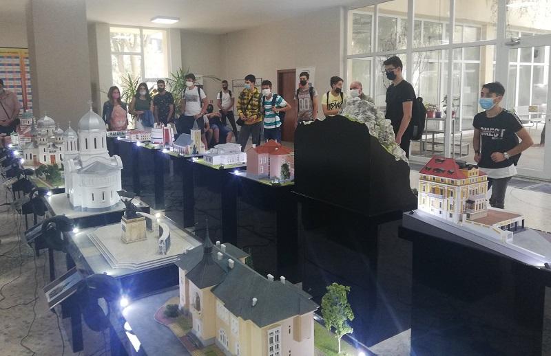 Изложба в Добрич представя макети от България и Румъния, разказващи за обекти с обща история между двете страни