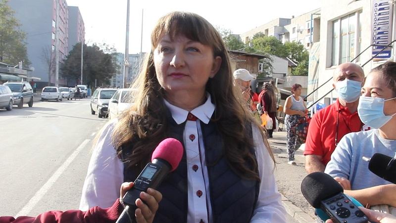 Деница Сачева в Добрич: Предложението ни е минималната пенсия да стане 300 лева, а максималната – 1440 лева