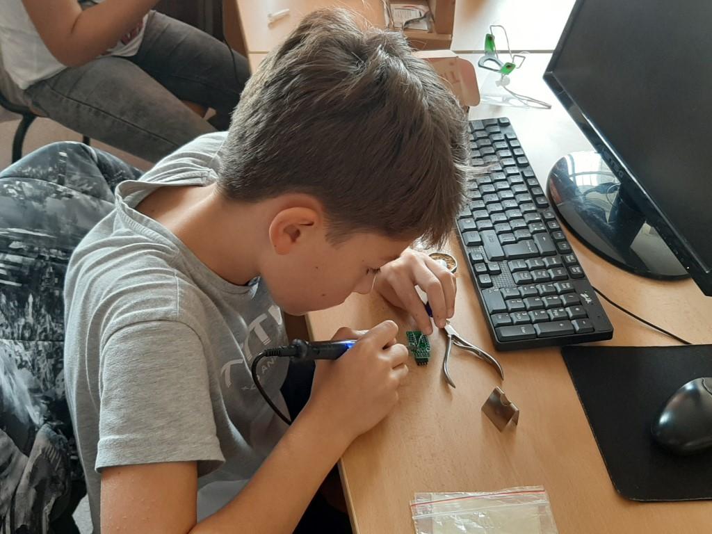 """Инженерна електроника за деца в ОУ """"Хан Аспарух"""""""