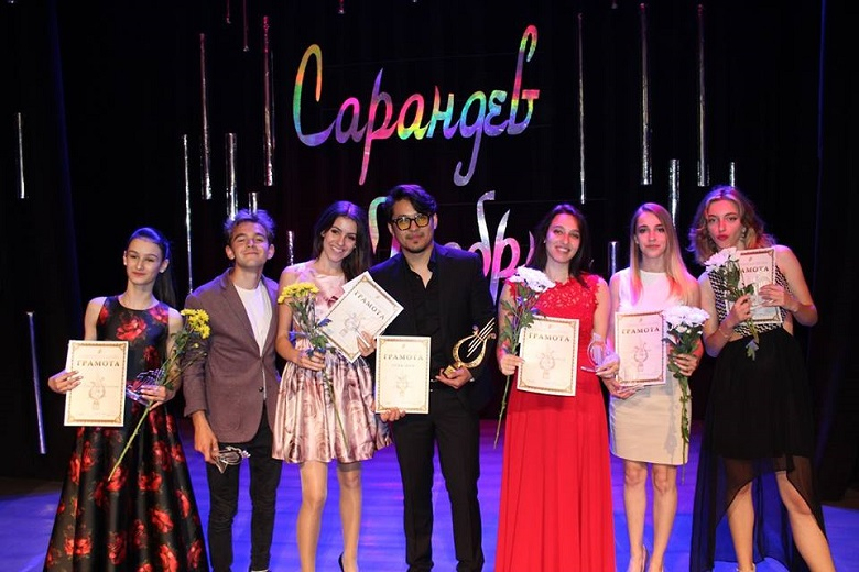 """Участници от 10 държави се включват в онлайн изданието на Европейския младежки поп-рок конкурс """"Сарандев"""""""