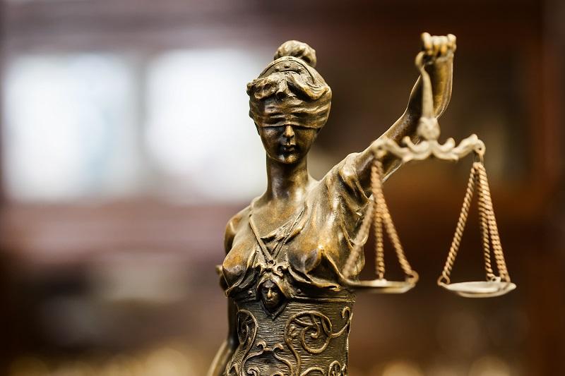 Предават на съд 36-годишен, обвиняем за държане на хероин с цел разпространение