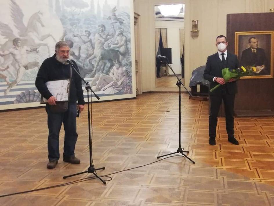 """Белетристът Деян Енев получи Националната литературна награда """"Йордан Йовков"""" за 2020 година"""
