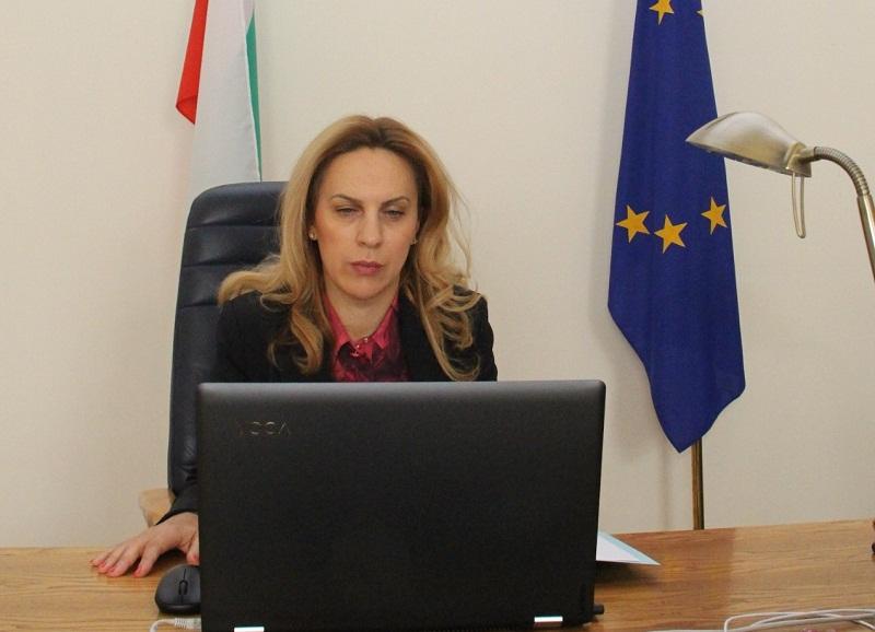 Марияна Николова: България предприема комплексни и цялостни мерки за посрещане на демографските предизвикателства